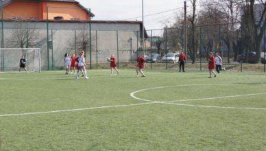 zawody-pilka-nozna-dziewczat-2012-10